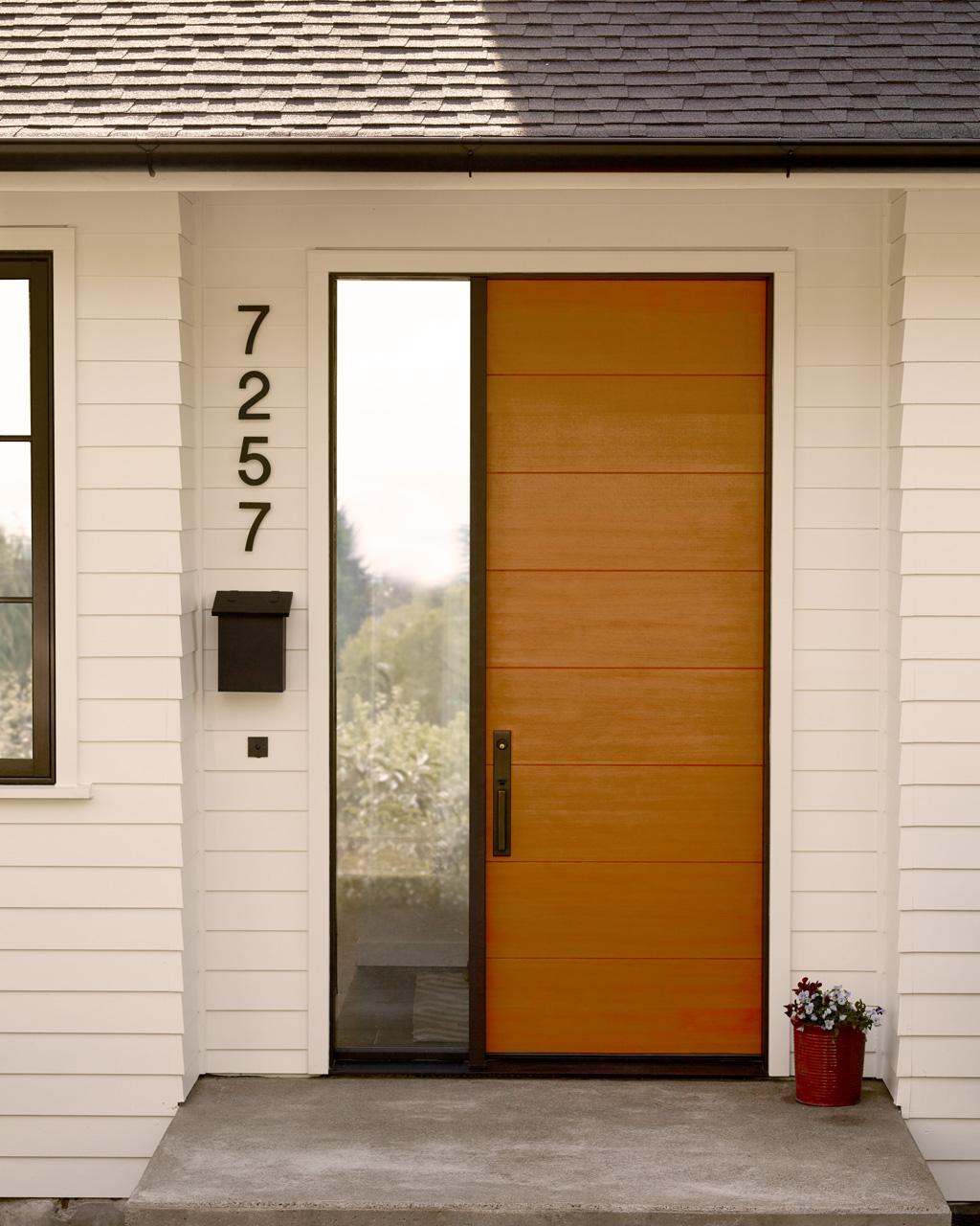 bazzi_Front door