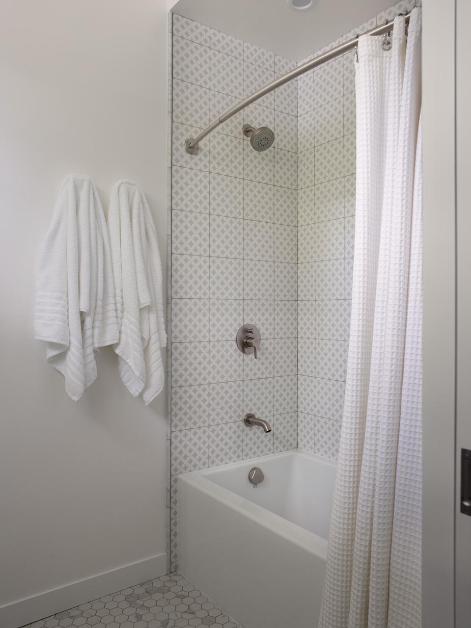 bazzi_Kids bthrm shower